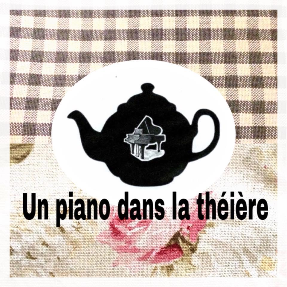 piano dasn la theière 00